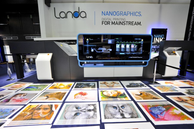 landa-nanographic-print-samples-drupa-2012-solopress